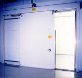 Стеклянная наружная раздвижная дверь: устанавливать или нет